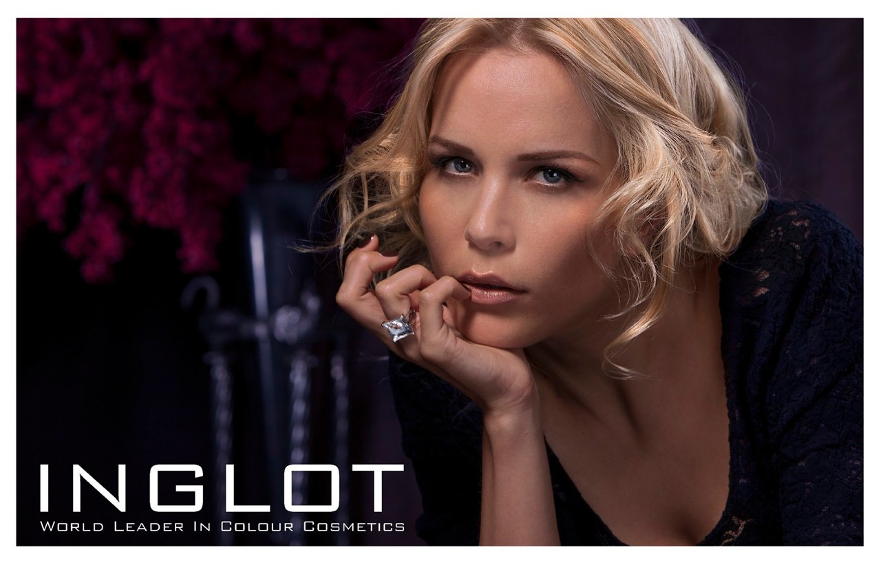 Max-Plaeth-Visagist-Hairstylist-Hair-and-Make-up-Top-Agence-Düsseldorf